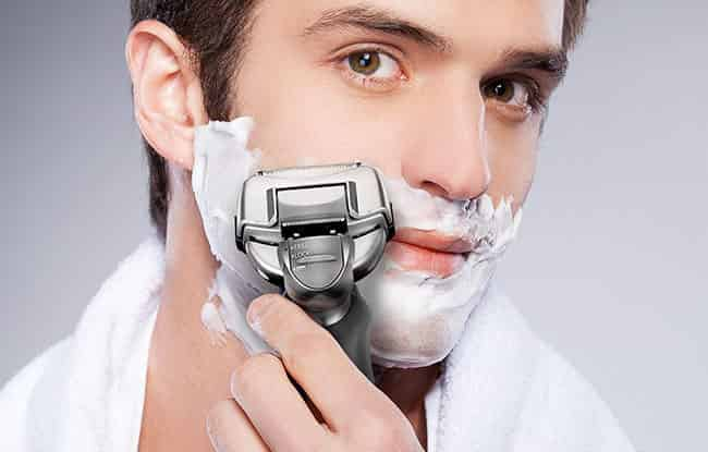 Electric tyke is no to a greater extent than unfamiliar device to the people Panasonic Arc iv ES-LA63-S Electric Shaver Review