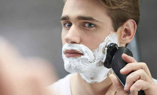 Philips Norelco is the pop advert of rotary type electrical shavers in addition to pilus trimmers Philips Series 6000 – Philips Norelco 6900 in addition to 6800 Electric Shaver Review